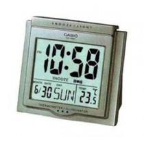 卡西歐 DQ750F-8D 桌面響鬧時鐘